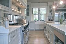 Kitchens and Dining Rooms / by Kate Nelson