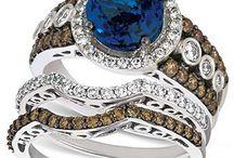 Jewelry / by Donna Zazanis