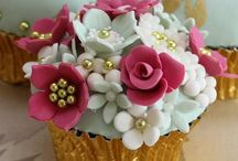Cakes & pretty things / by Katherine Lyth