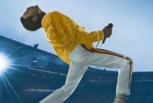 Queen / Queen es una banda de rock británica formada en 1971 en Londres por el guitarrista Brian May, el cantante Freddie Mercury, el baterista Roger Taylor y el bajista John Deacon. Si bien presentan las bajas de dos de sus miembros (Mercury, fallecido en 1991 y Deacon, actualmente retirado de la industria musical), lo cierto es que la sociedad artística nunca se disolvió. El grupo gozó de un gran éxito en Gran Bretaña a mediados de los años 1970  / by packtoengland