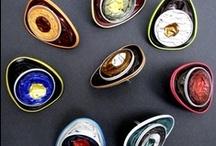 Reciclando Capsulas de Café / Estas coloridas cápsulas de café han inundado el mercado, y con ello han creado un grave problema de residuos. Aprende que es lo que puedes hacer con ellas echándole un vistazo a este tablero. / by Ecomania