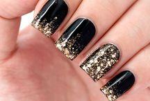 Glitter Glitter. / Nails / by Cyndi Kate
