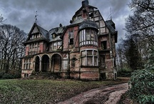 House | Castle | Cottage / by Gwendolyn