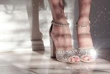 Bride shoes / by WeddingLands