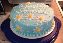cake decor ideas / by Harriet Piner