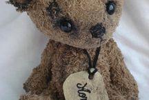 Stuffies 'n' stuff / by Michelle Kelly