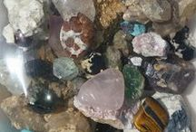Rღmancing the sTღNe...s...RღCks,miNeRalS & CRyStaLs! / I am a collector of rocks, minerals, crystals, etc...have gone on a few digs...and am looking forward to more in the future! Open to all location suggestions!   / by Lynda Briggs Shehane