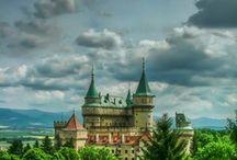 Buildings: Castles / by Cupcake Bat