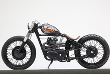 Mad Motorcycles / by Karl Offenberger