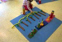 Llenguatge lògic-matemàtic / En aquesta pissarra hi podreu trobar un recull de recursos per ensenyar als nens el joc heurístic, les matemàtiques i diferents materials didàctics. / by Anna Delhom