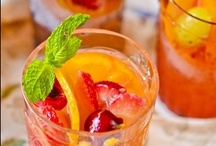 Bottoms up! / Recipes of refreshing drinks, juice, and perfectly mixed cocktails. / by DiningIn.com (DiningIn)