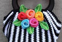 Crochet: Purses & Totes / by Deborah Warren