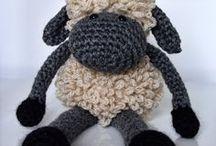 Crochet / by Dina Baroutsos