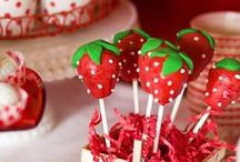 Cake Pops / by Blog Algo Mais