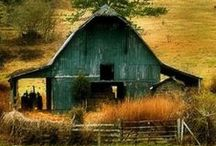 Barns / Who doesn't love a good old barn! / by Cindi Lou