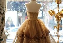 Adorable Vintage Dresses / Adore these cute and elegant looks from a bygone era. / by Cindi Lewis