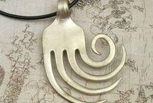 Bracelets, rings, pendants... / by Maria Luisa Bravo Benitez