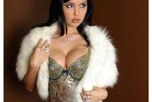 Sexy Women In Fur / by Victoria Franklin