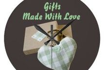 *** DIY GIFTS FOR EVERYONE AND EVERYTHING / Remember a lot of these gifts can be made for any holiday-just switch around colors, decorations, etc.. / by Dandy Mariella