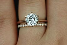engagement rings / by Danielle Darnell