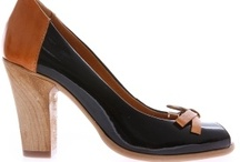 Womens Shoes /  Обувките са слабост на почти всяка жена. Колкото и обувки да притежава, оказва се, че никога не са достатъчно. Ето защо ние сме тук, за да ви предложим изключително разнообразни модели дамски обувки. С тях не само ще изглеждате, но и ще се чувствате добре, тъй като обувките са не само красиви, но и изключително удобни. / by Damski Drehi