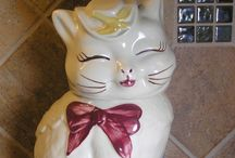 Collectibles I Covet! / Vintage, retro, & antique collectible treasures I hope I run across some day. / by Merrilee Gasaway