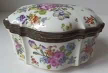 Antique Porcelain Boxes  / by Charon van Tellingen