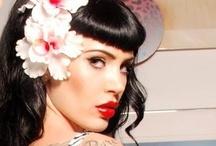 Nails & Makeup / by Elena Martinez