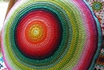 Crochet Almohadones/Pillows / by Gato Chirolio !