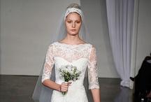 'Gorgeous Wedding Dresses / by Audrey Merchant