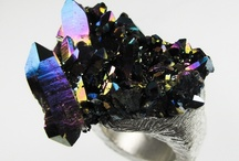BLACK jewelry / the dark side of jewelry .... :-) / by Marianne Gassier