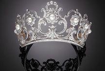 Princess dreams / Crowns and royal tiaras / by Amanda Téllez Schmill
