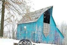 barns and barn quilts / by Hazel Beth Horn
