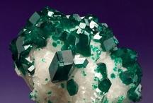 Science - Minerals / by Jan Vafa