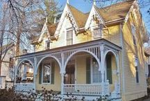 Gothic Revival Victorian Houses / by Alby Furlong
