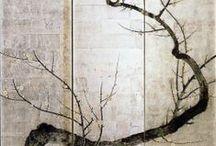 Rimpa school. Tawaraya Sotatsu. Honami Koetsu. Ogata Kōrin. Ogata Kenzan. Sakai Hōitsu.... / Школа Сотацу-Корин или школа Римпа (琳派) Одна из главных исторических школ в Японии, была основана Таварая Сотатцу в Киото в 17 веке, через 50 лет после смерти Сотацу талантливый художник Огата Корин развил идеи школы в Киото. Через 100 лет его последователь Сакай Хоицу развил традиции школы в Эдо . Чисто японский стиль не только в живописи, но и в декорировании с применением золотой и серебряной фольги, в расписывании предметов обихода, кимоно, вееров, керамики, изделий из лака.    / by Лара