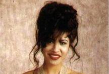 Selena Fashion & Style / Selena y su estilo de vestir / by Lilly Santiago