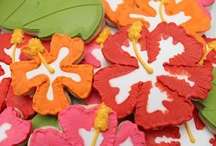 Let's decorate cookies! / I ♥ decorated sugar cookies!  They are like little pieces of delicious art!