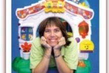 Mami habla español / Un blog en español con detalles de nuestros productos, revisiones, comentarios, consejos, recursos y anecdotas de una mami latina criando a sus hijos bilingues. / by Growing Bilingual