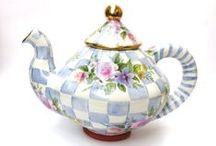 Choklad-Kaffe och Tea-kannor / by adilah wallen