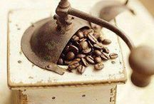 Old Coffee Grinders / by Country Girl