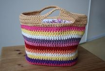 Bolsos,monederos y cestos crochet / Bolsos hechos a crochet/ganchillo / by Ana Mora Abril