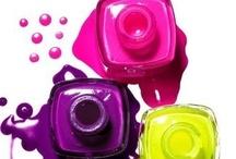 Colorful nails and nailpolish / by Lucinda Bakker