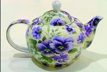 Tea Pots / by Linda Broadhurst