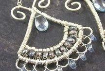 A Joyitas que hago / Joyas de plata peruana, gold filled y cobre, con piedras semipreciosas y cristales finos................ / by Giannina Salinas