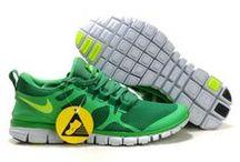 femme chaussures free run / femme chaussures free run,nike free run 2,run 3 / by Renato Awalt