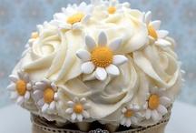 09. Sweets - Cupcakes / by ❀❀DeBoRaH❀❀ SaLZman❀❀
