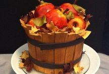 Cakes I'd like to make / by Jennifer Michalka