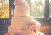 Cakes / by Yo maris