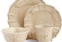 porcelana y cerámica / by Pilar Plaza